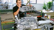 Mercedes SLS AMG GT3, Stammsitz, Werkstatt, Motorblock