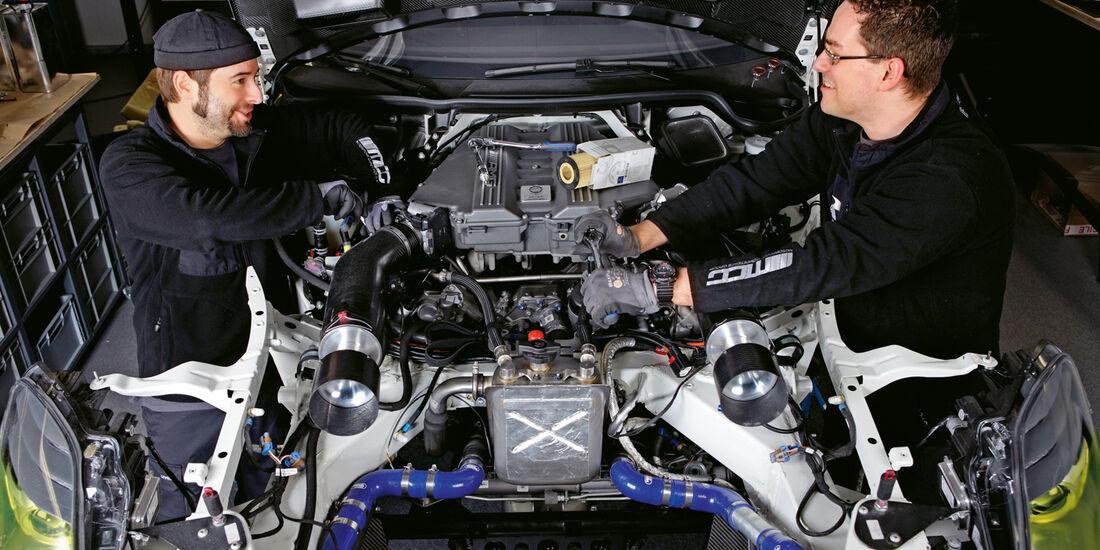 Mercedes SLS AMG, ROWE Racing, Motor