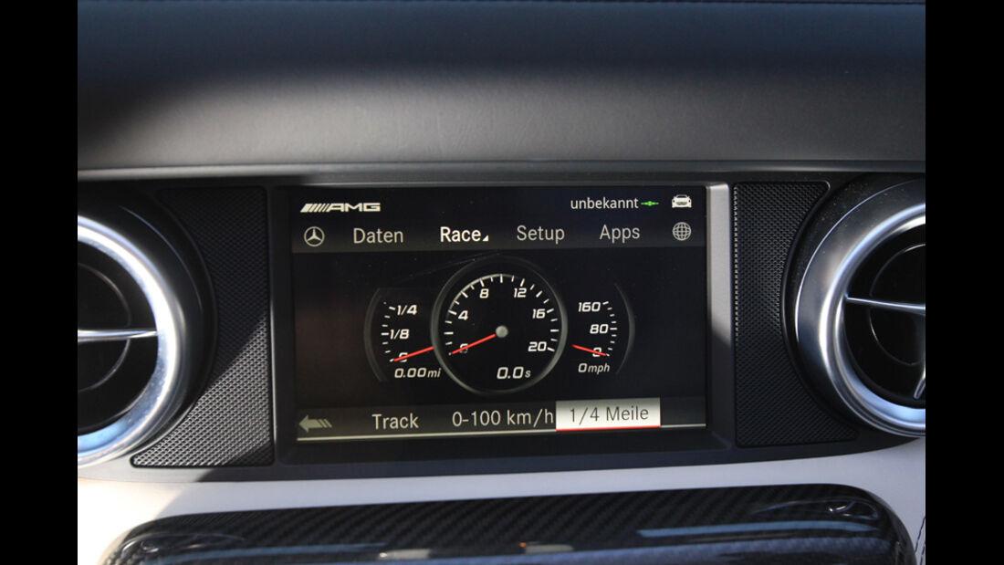 Mercedes SLS AMG Roadster, Display