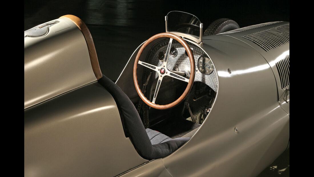 Mercedes-Silberpfeile, W25