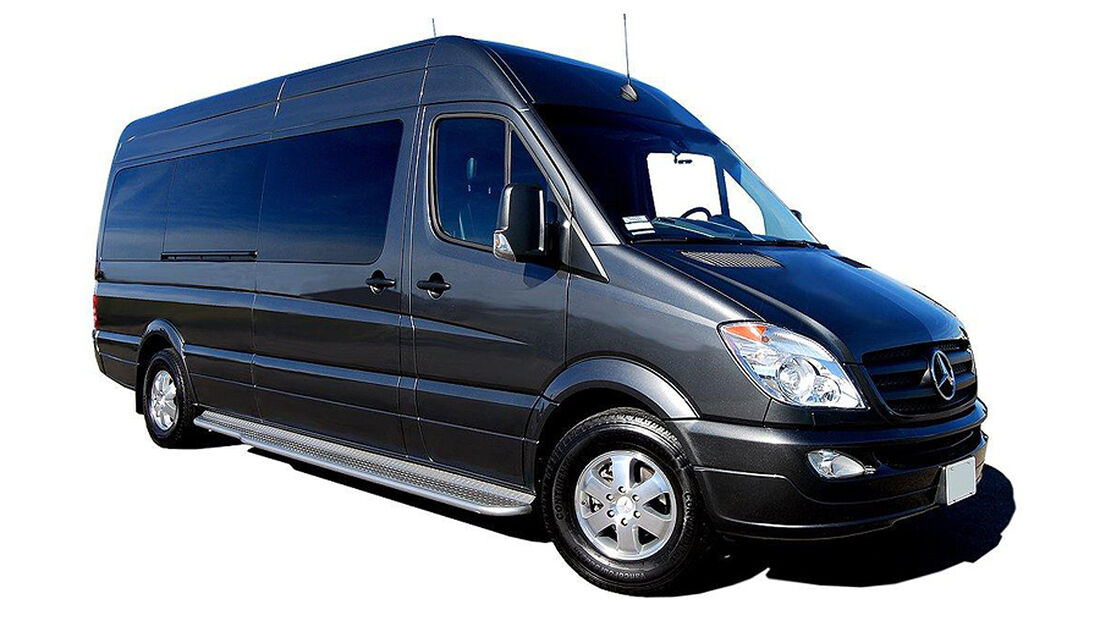 Mercedes Sprinter Jet Van von Becker Automotive Design