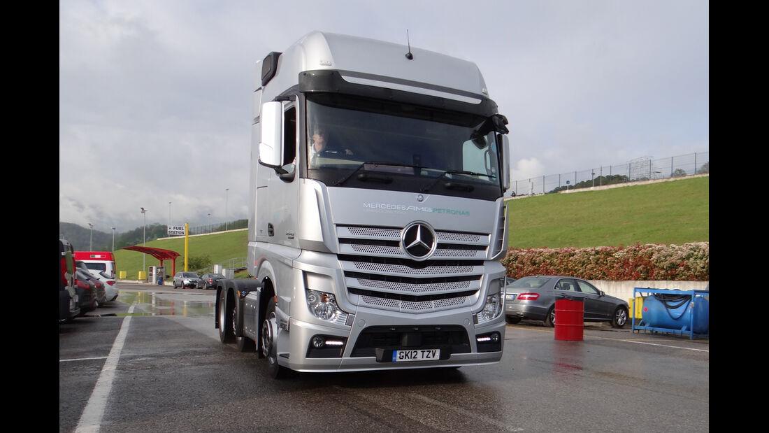 Mercedes-Truck - Formel 1-Test - Mugello - 1. Mai 2012