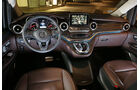 Mercedes V 250 d Lang, Cockpit