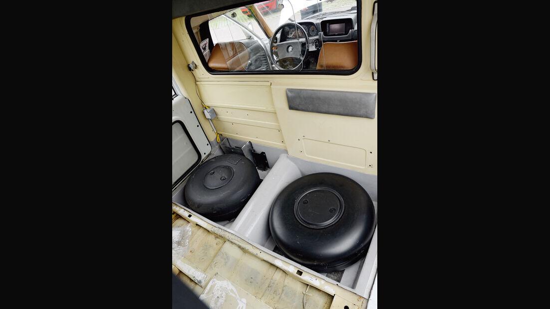 Mercedes VF123 E28 Binz KTW, Innenausbau, Restaurierung