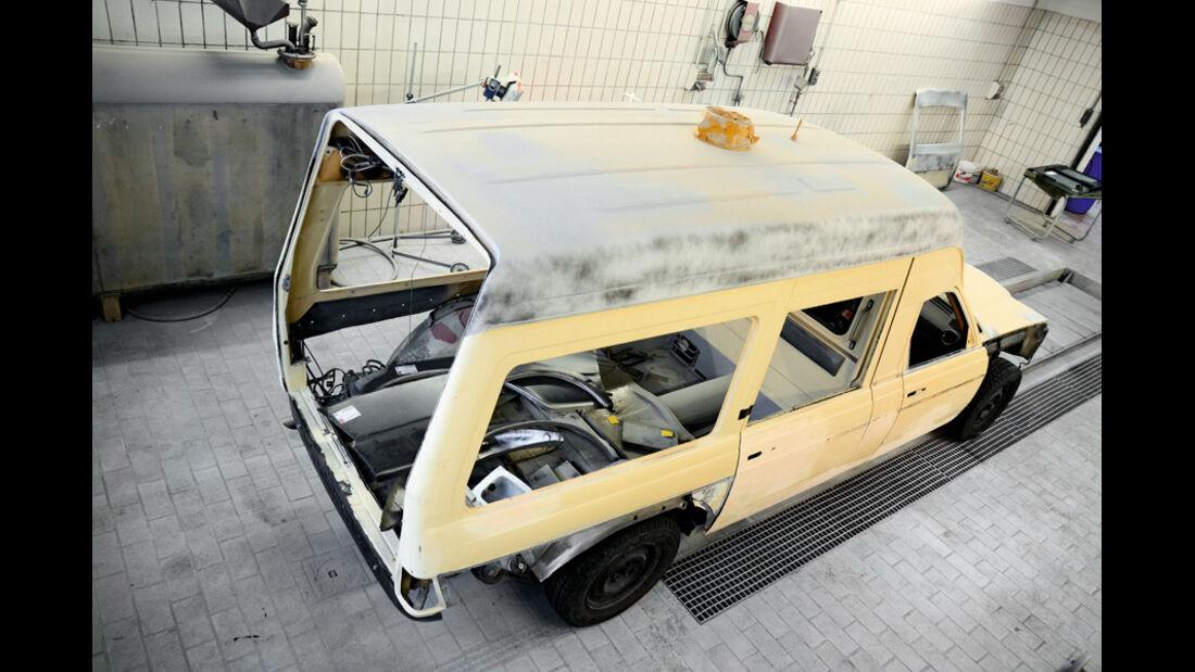 Mercedes VF123 E28 Binz KTW, Karroserie