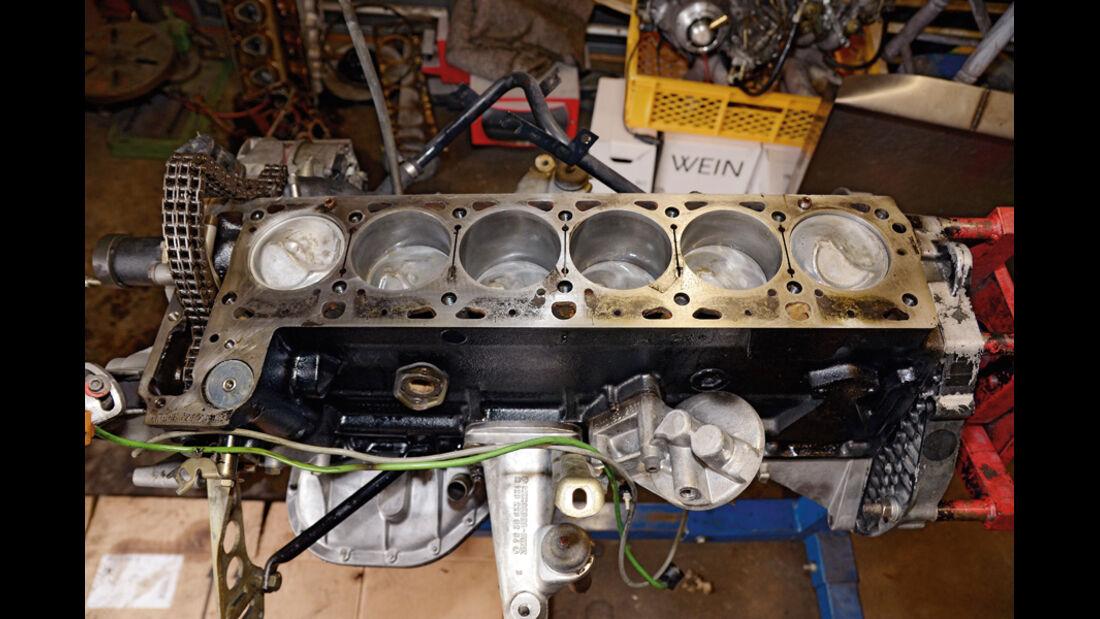 Mercedes VF123 E28 Binz KTW, Werkstatt