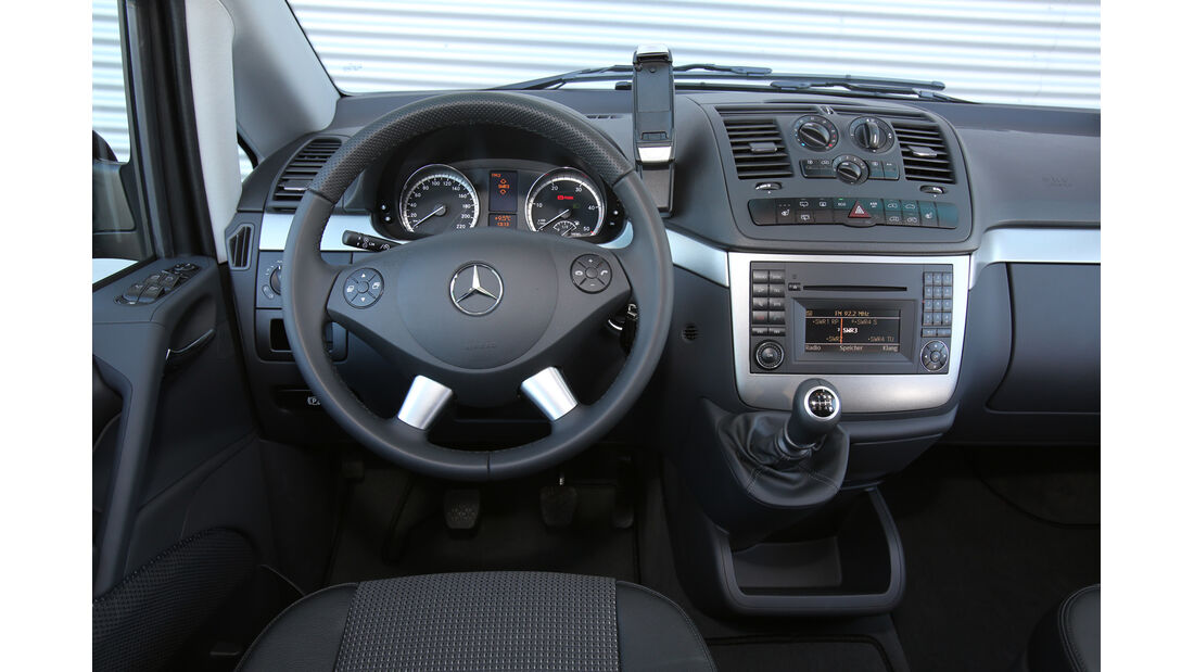 Mercedes Viano 2.0 CDI, Cockpit, Lenkrad