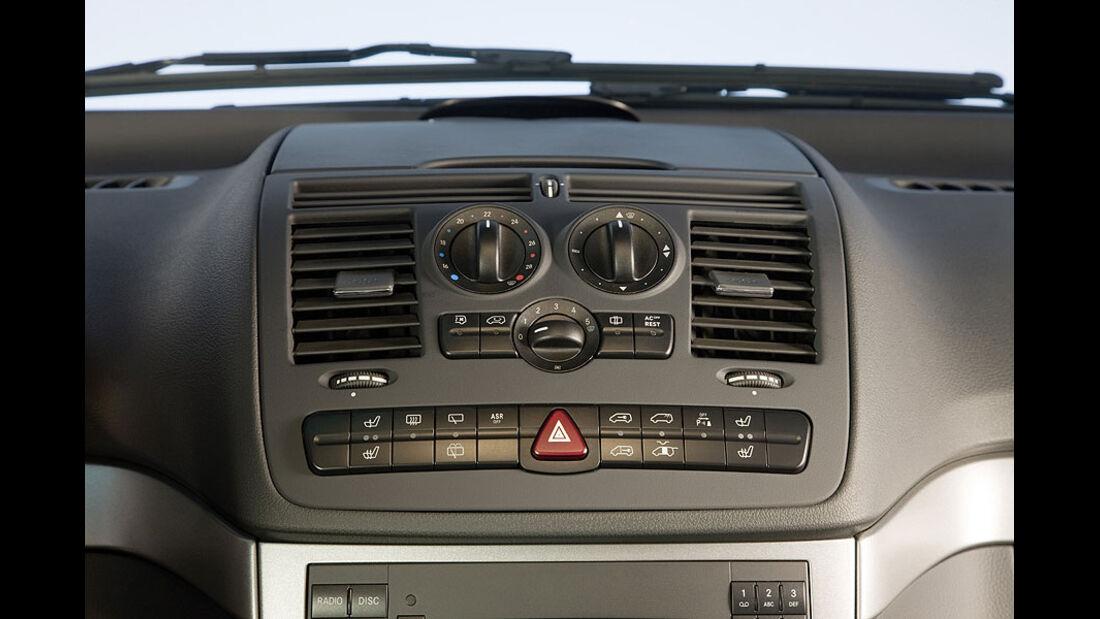 Mercedes Viano 3.0 CDI, Cockpit
