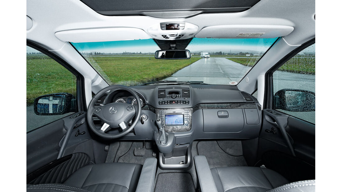 Mercedes Viano 3.0 CDI lang, Cockpit