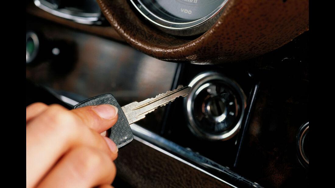 Mercedes W 111, Schlüssel