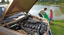 Mercedes W 123, Motorhaube offen, Motor