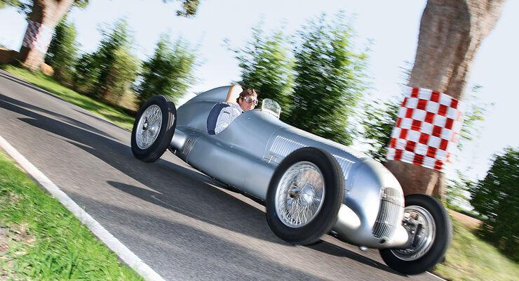 Mercedes W 25