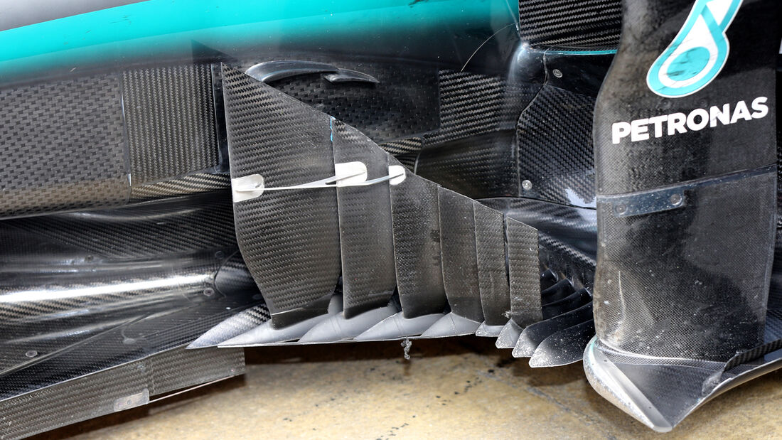 Mercedes W07 Bargeboard - Barcelona F1-Test 2016