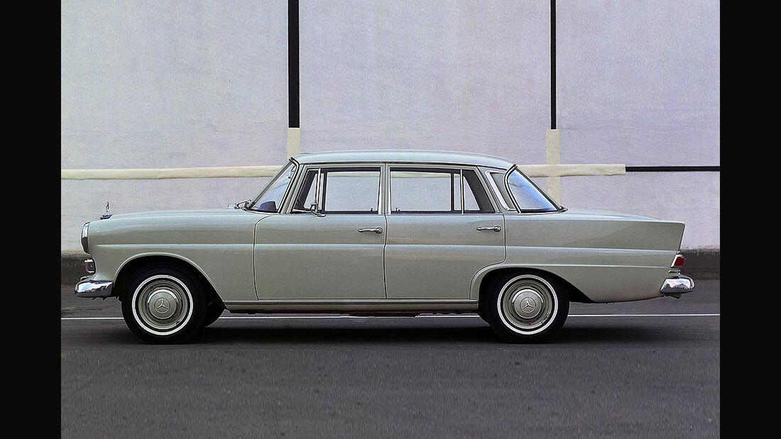 Mercedes W110- 200