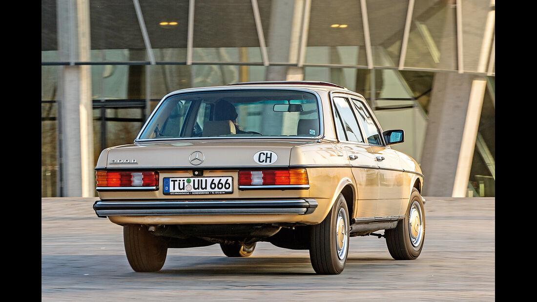Mercedes W123, Heckansicht