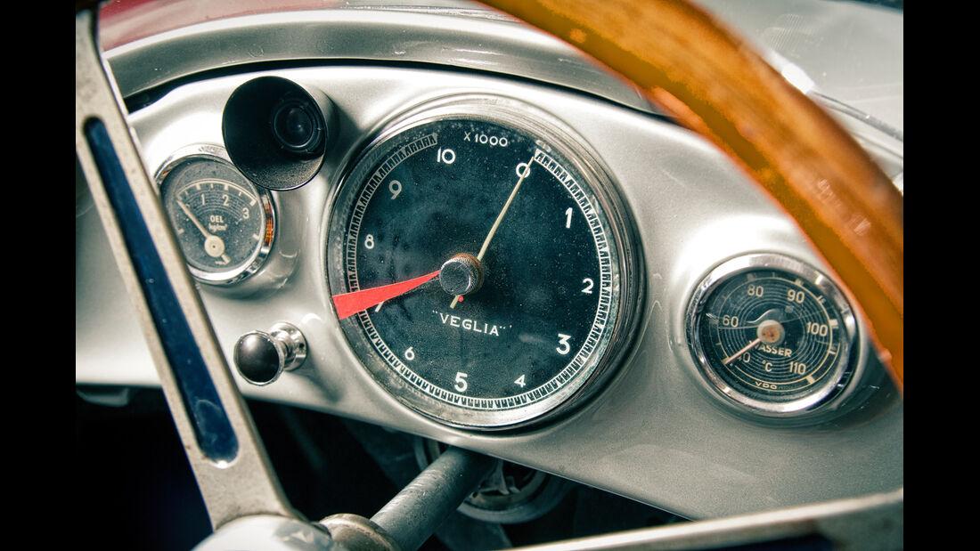 Mercedes W196R, Rundinstrument