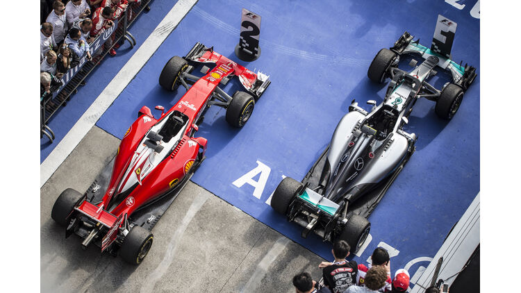 Ferrari Vs Mercedes Technik Updates Der Ersten 12 Rennen Auto Motor Und Sport