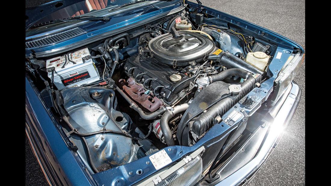 Mercerdes-Benz S123, Motor
