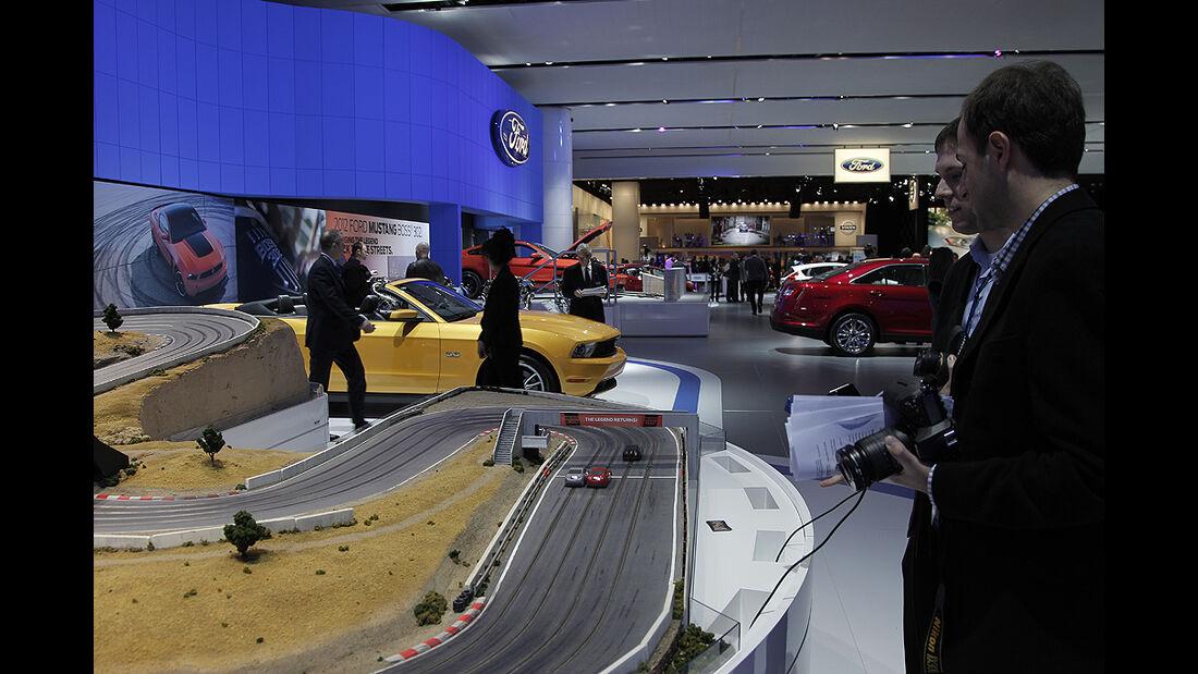 Messerundgang Detroit Motor Show 2011