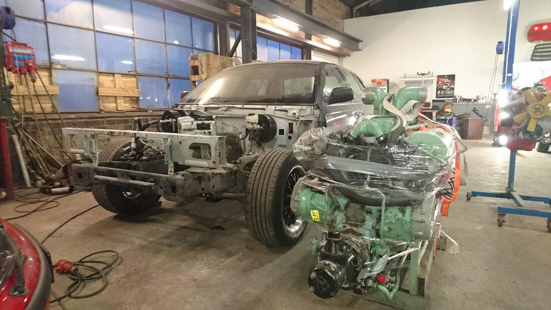 Meteor Interceptor Ford Crown Victoria Panzer Motor