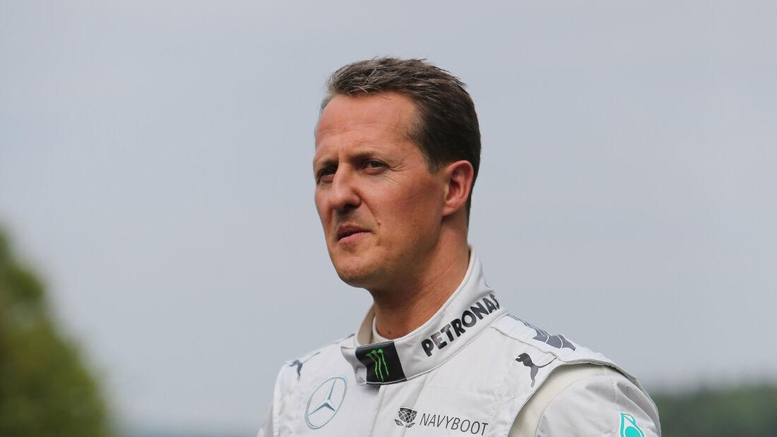 Vom Krankenhaus In Die Reha Michael Schumacher Nicht Mehr Im Koma Auto Motor Und Sport