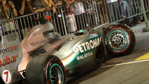 Michael Schumacher Crash GP Singapur 2011