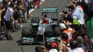 Michael schumacher Mercedes GP Valencia 2012 Europa Boxengasse