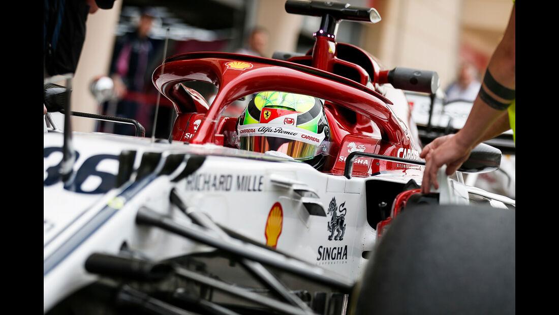 Mick Schumacher - Alfa Romeo - F1-Test Bahrain - 3. April 2019