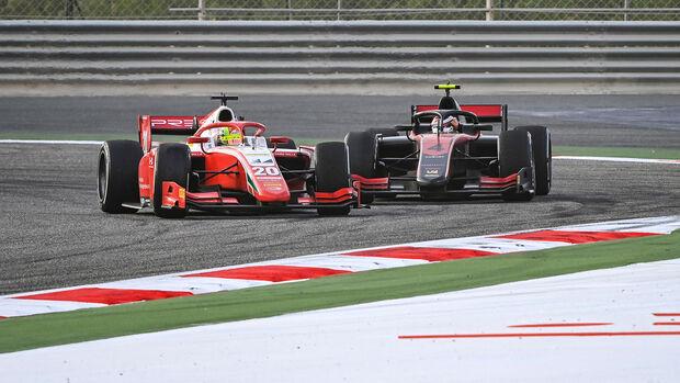 Mick Schumacher - Callum Ilott - Bahrain 2020 - Outer Circuit