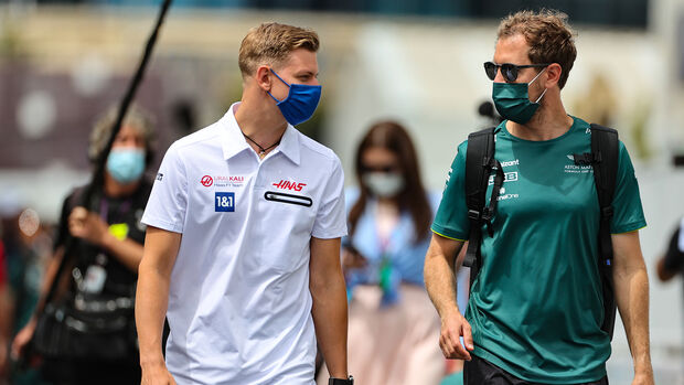 Mick Schumacher - Sebastian Vettel - Formel 1 - GP Aserbaidschan - Baku - Freitag - 4.6.2021