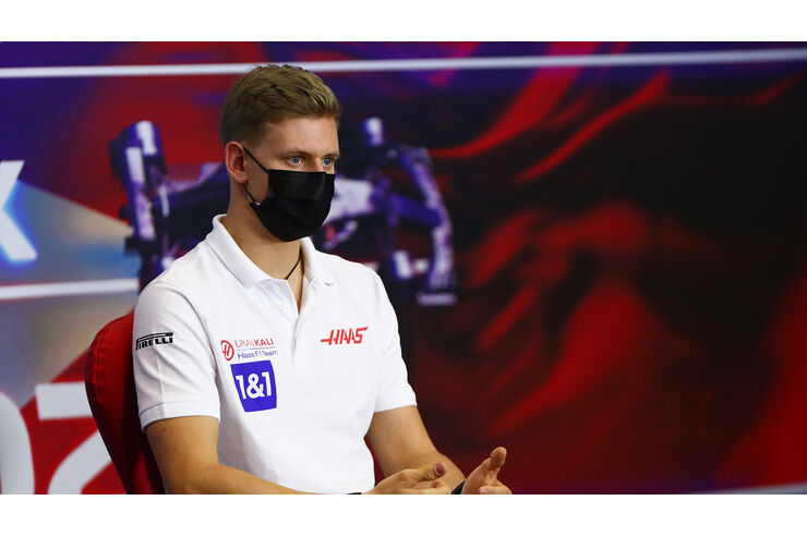 Mick Schumacher vor Formel-1-Debüt in Bahrain   AUTO MOTOR ...