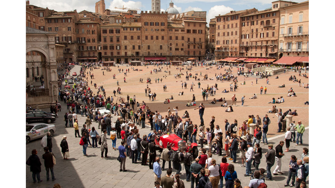 Mille Miglia, Piazza del Campo, Siena