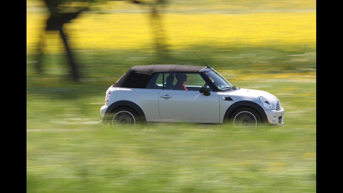 Mini Cooper Cabrio, Seitenansicht, geschlossen