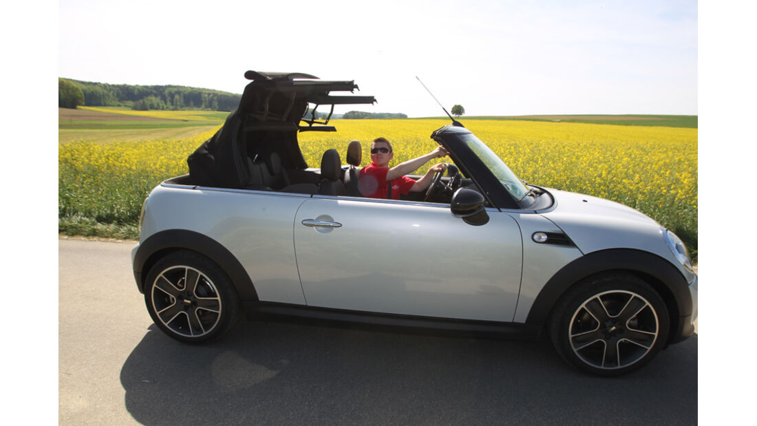 Mini Cooper Cabrio, Seitenansicht, öffnendes Dach