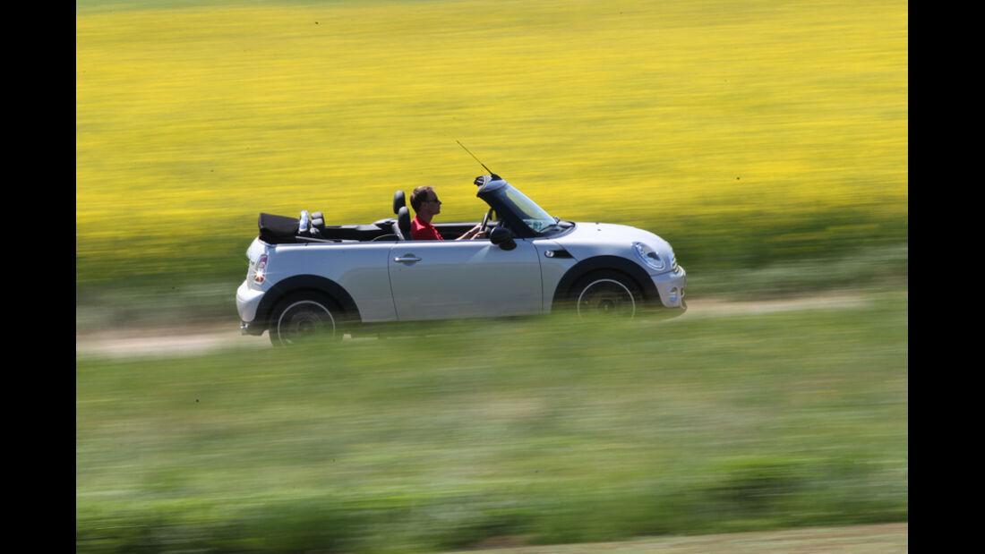 Mini Cooper Cabrio, Seitenansicht, offen