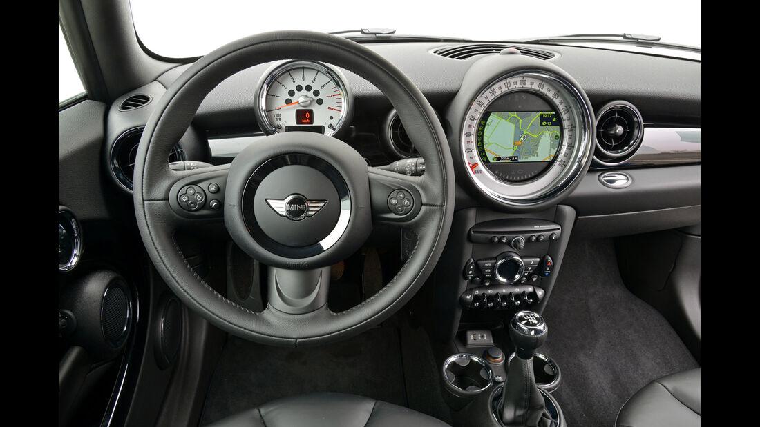 Mini Cooper D Clubvan, Cockpit, Lenkrad