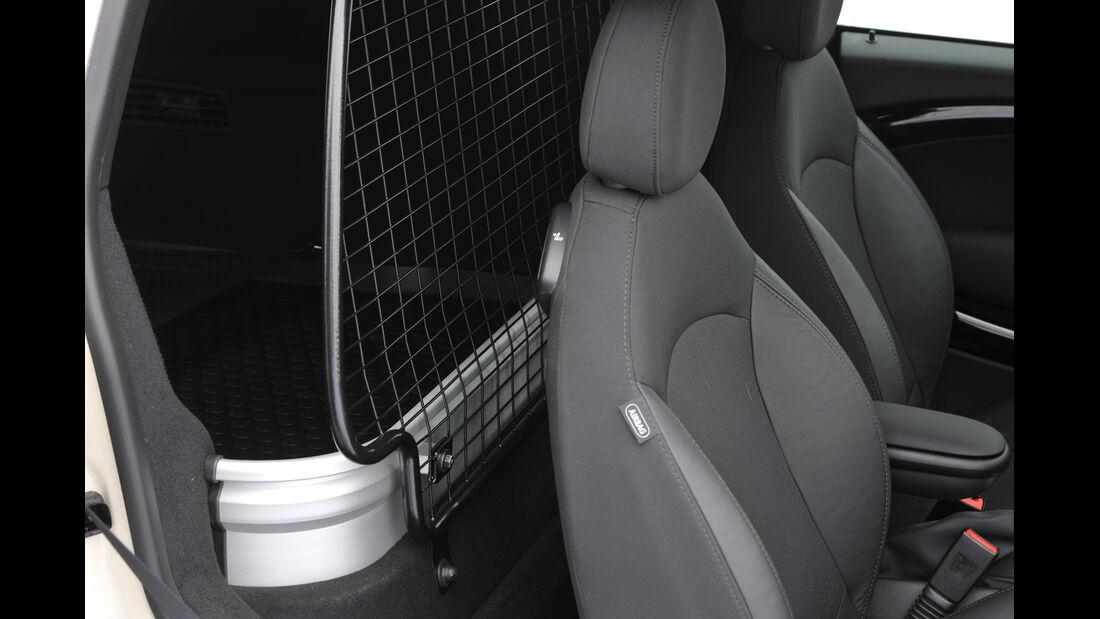 Mini Cooper D Clubvan, Haltenetz