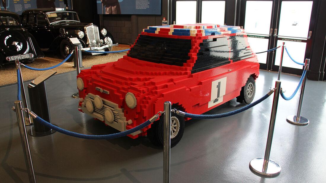 Mini Cooper Lego Style im British Motor Museum