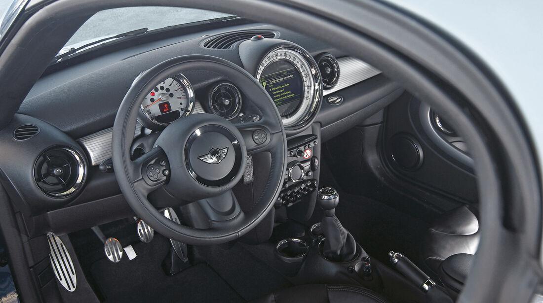 Mini Cooper S Coupé, Cockpit