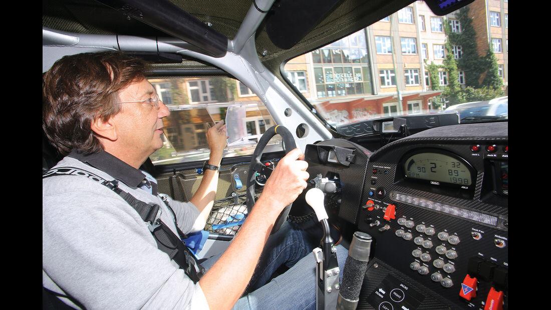 Mini Countryman All4-Prototyp, Cockpit, Fahrer