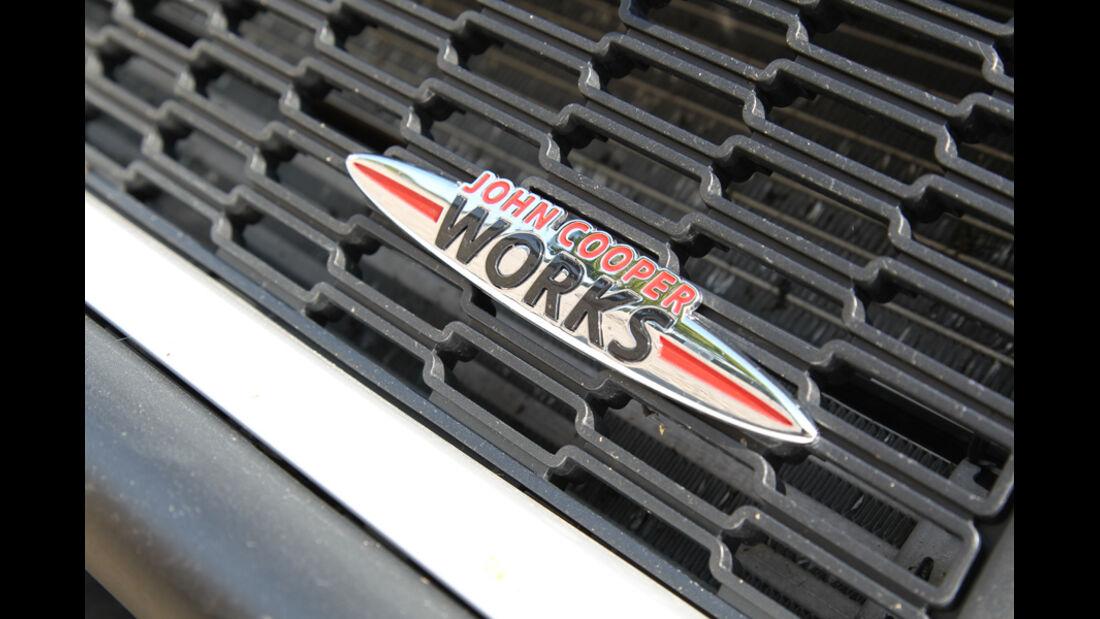 Mini Coupe Cooper Works, Emblem