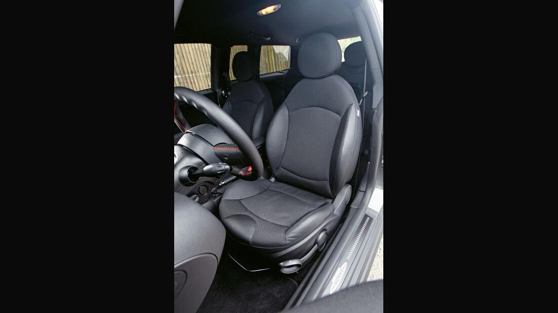 Mini JCW Clubman Facelift, Fahrersitz