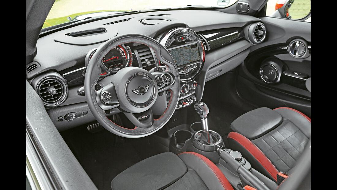Mini JCW, Cockpit