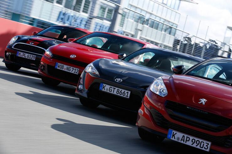 Mini JCW Coupé, Peugeot RCZ 1.6 200 THP, Toyota GT86, VW Scirocco 2.0 TSI, Frontansicht