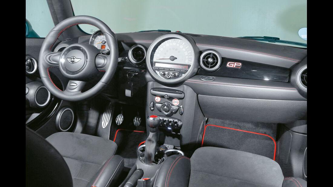 Mini JCW GP, Cockpit