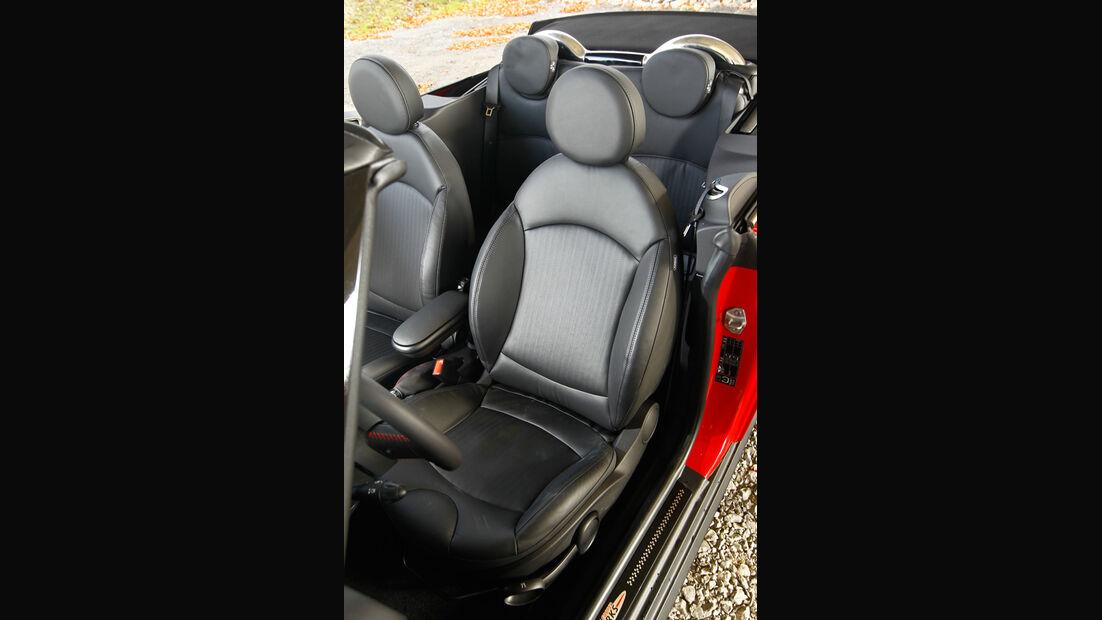 Mini John Cooper Works Cabriolet, Sitze