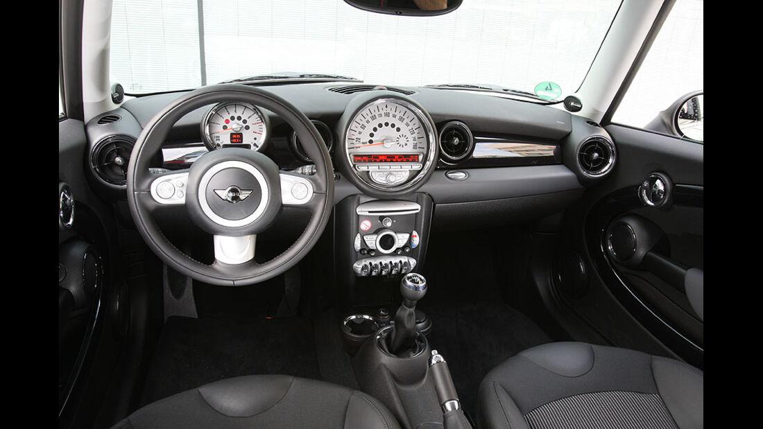 Mini One Minimalist, Cockpit