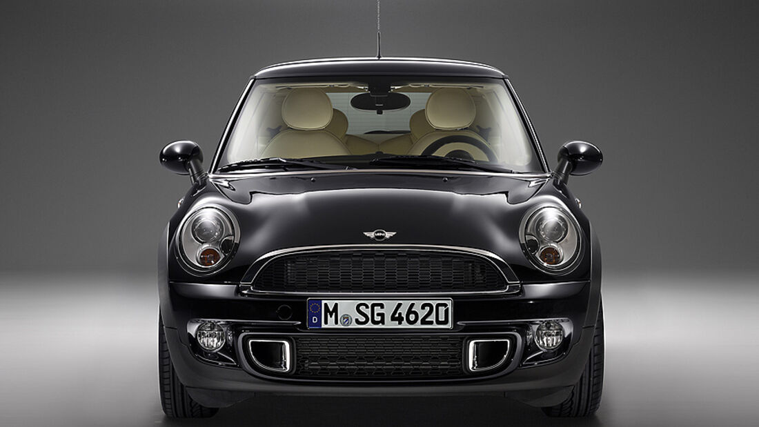 Mini inspired by Goodwood, Front