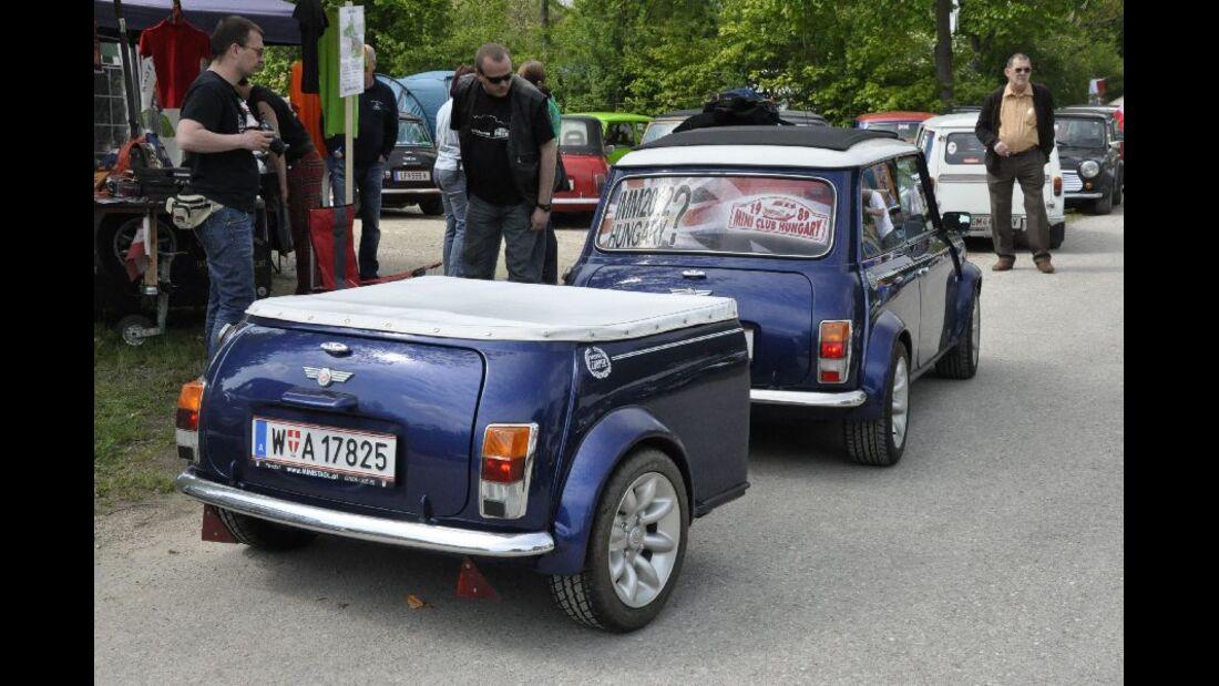 Mini mit Mini-Anhänger