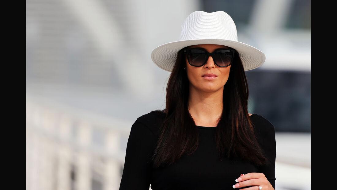Minttu Virtanen (Freundin von Kimi Räikkönen) - Formel 1 Test - Abu Dhabi - 25. November 2014